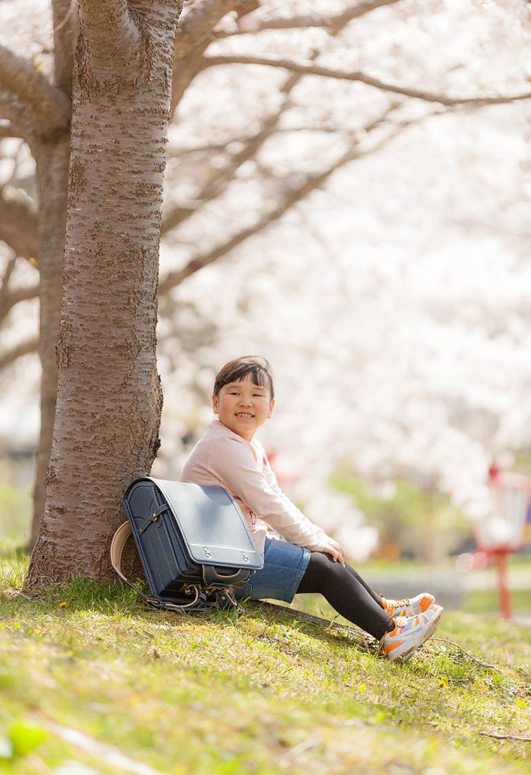女の子-春に外で撮影