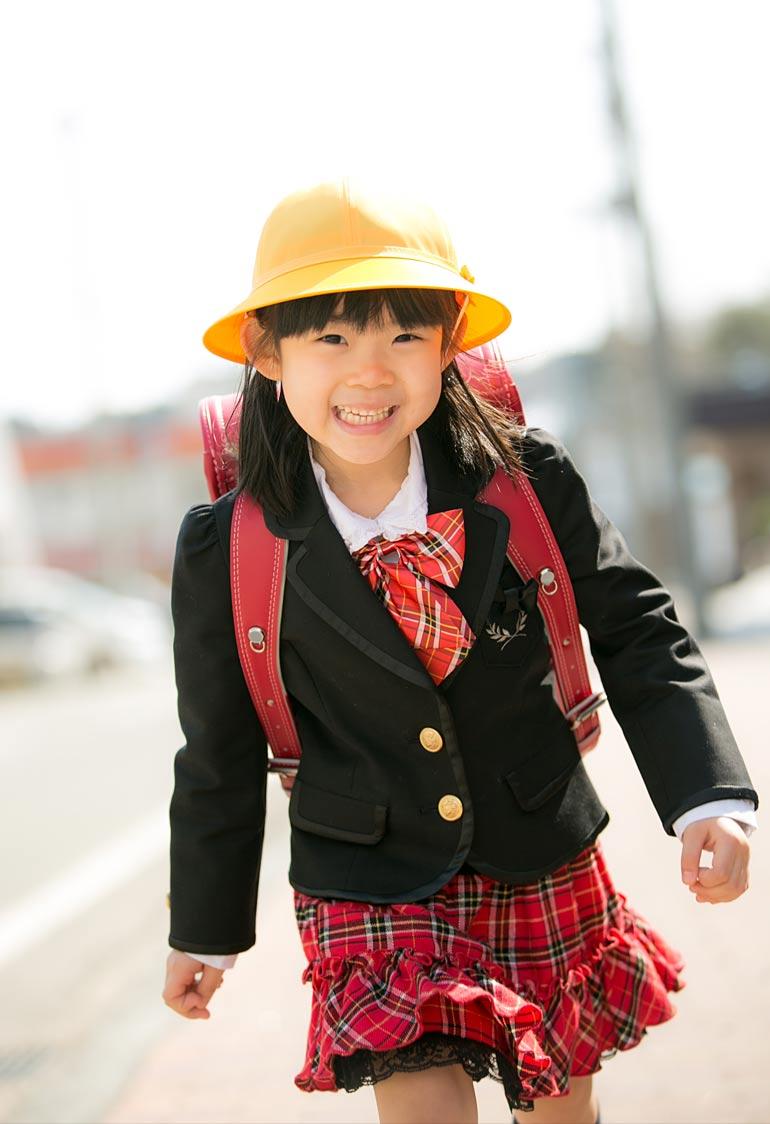入学記念-女の子外で撮影