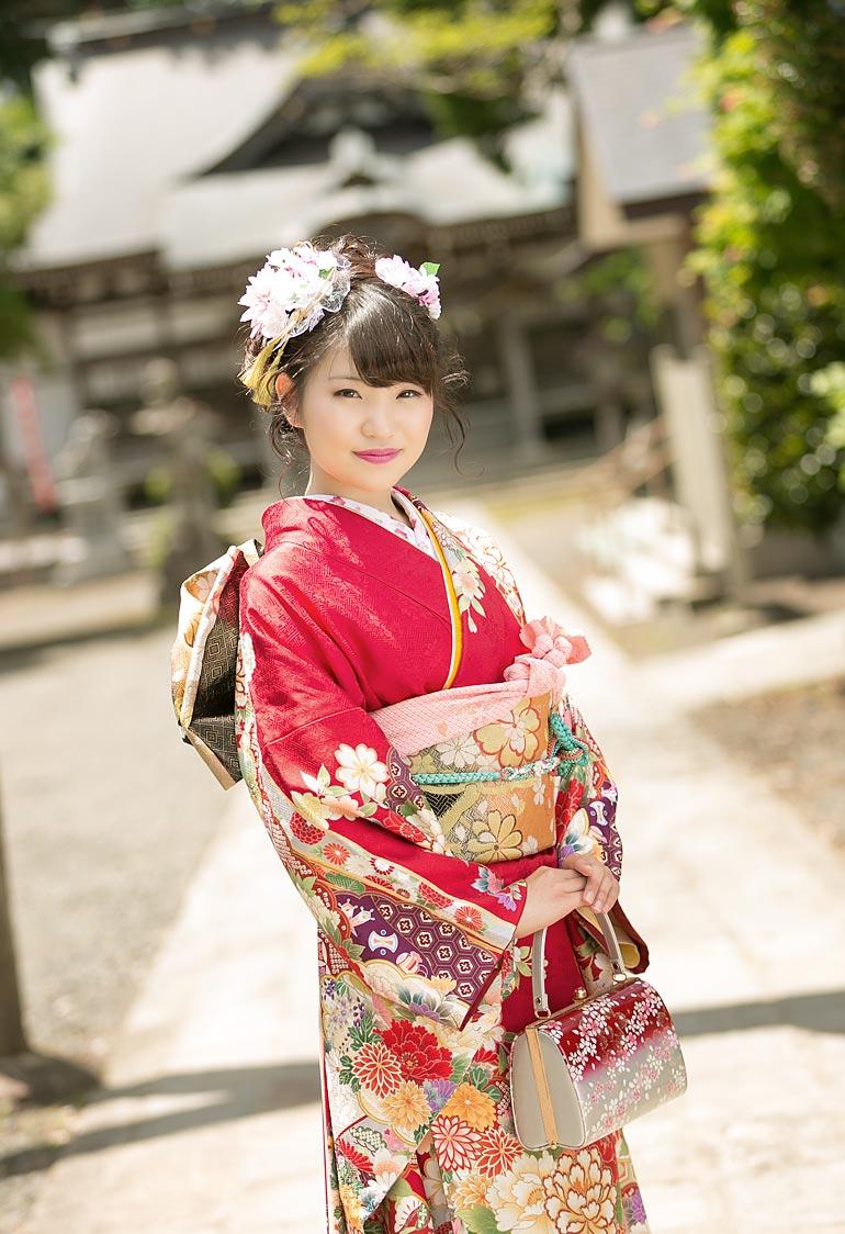 成人-神社ロケーション撮影