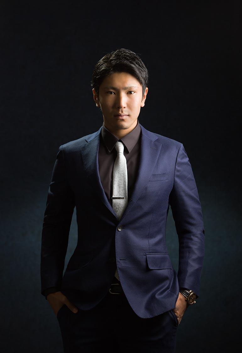 男性スーツ-成人写真
