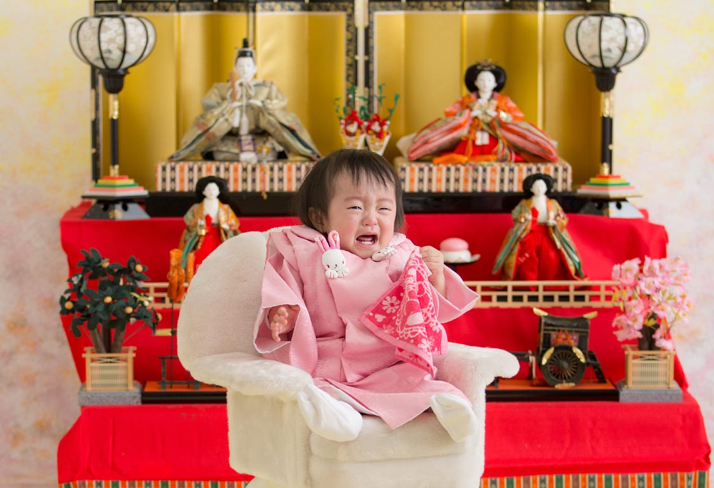桃の節句-泣いてる女の子