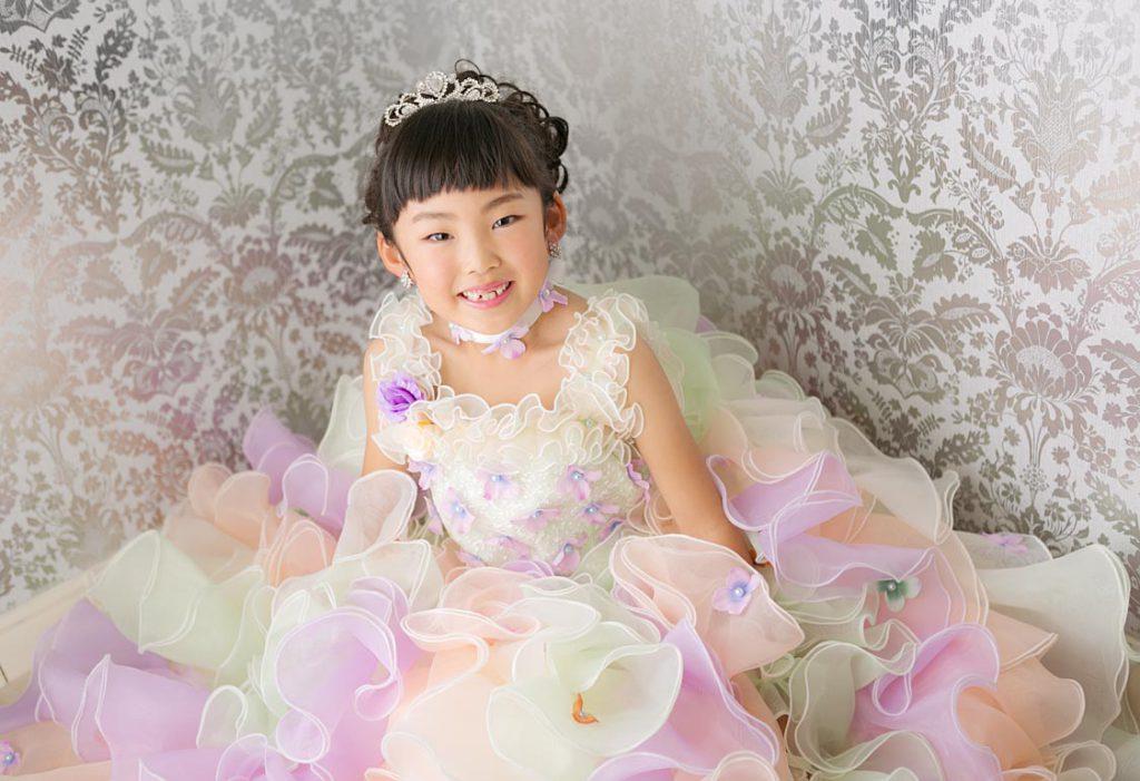 七五三7才ドレスの女の子
