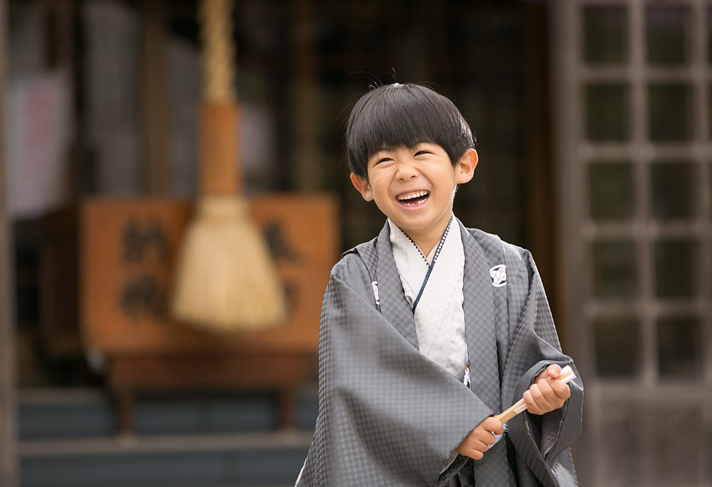 5才の七五三-神社で撮影